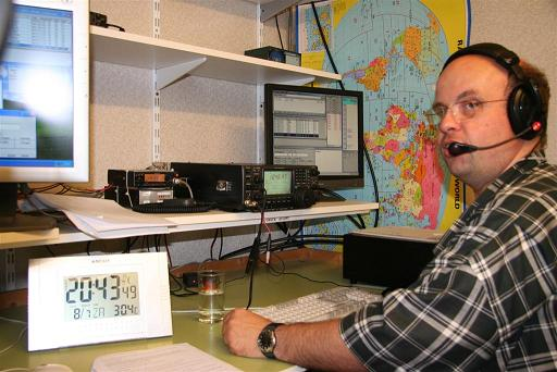 ON5MF operating the UBA-KTK club station during some contest